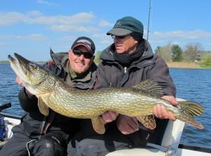 Ein super Fisch für Brian und Henry